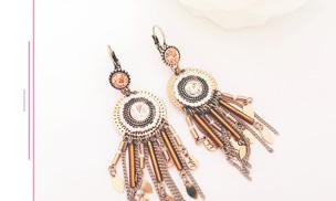 Soyez à la pointe de la mode avec les bijoux de nos créateurs ainsi que nos bijoux haute fantaisie