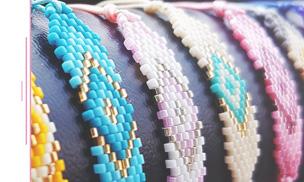 Optez pour un joli bracelet cordon en tissage miyuki, pratique et réglable, tendance pour l'été!
